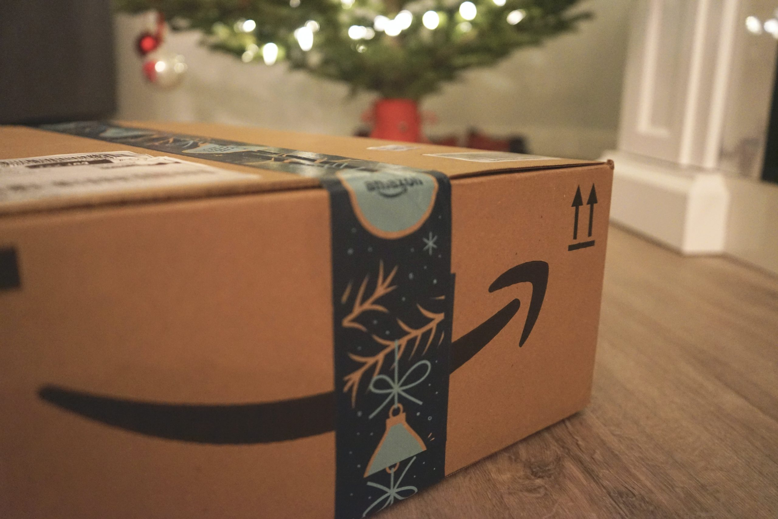 link a website to amazon